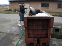 特に、木槽の中は念入りに洗浄します。