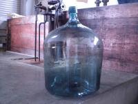 一升瓶が約10本分入ります。いい熟成するんです。