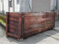 洗浄のために、外へ出します。何だか木槽も疲れたように見えて・・本当にご苦労様でした。